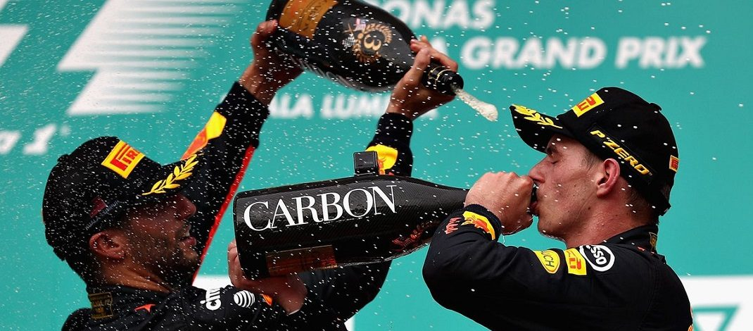 Foto de Verstappen acaba com inferno astral, vencendo a corrida e com grande performance de Sebastian Vettel