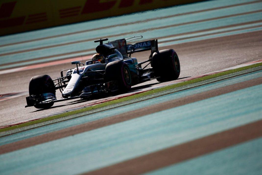 Photo of FP3 Abu Dhabi – Mercedes assume a liderança da sessão com Hamilton e Bottas na ponta