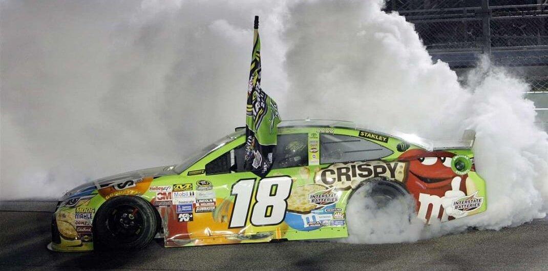 Foto de 22 de Novembro de 2015, Kyle Busch renascido das cinzas é campeão da Nascar – Dia 185 dos 365 dias mais importantes da história do automobilismo