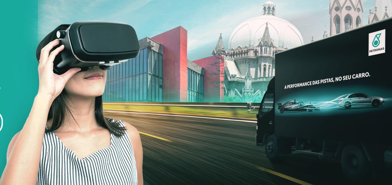 Foto de Simulador da Mercedes está em São Paulo para atitude promocional