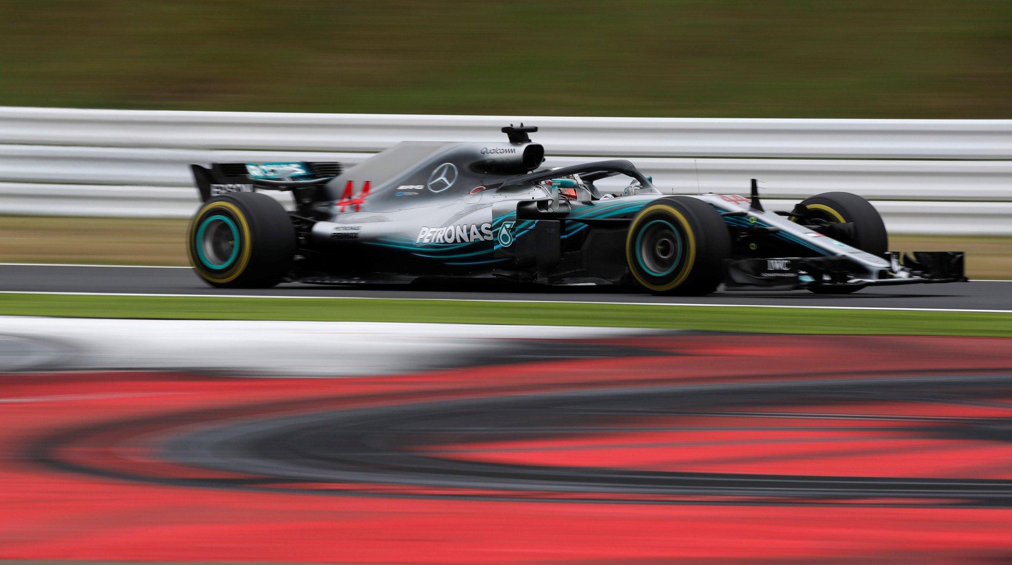 Photo of FP3 Japão – Lewis Hamilton lidera sessão em Suzuka com Vettel se aproximando do inglês