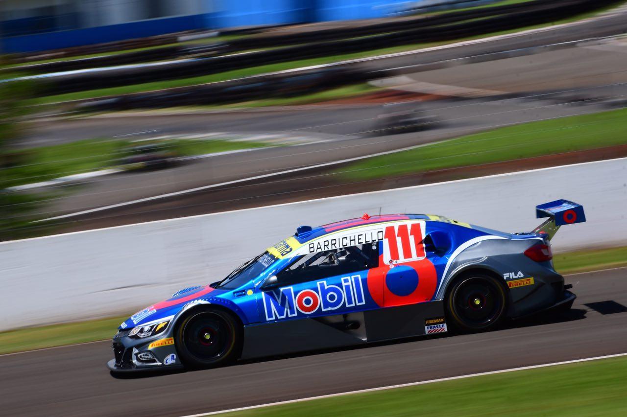 Foto de Rubens Barrichello vence na primeira prova em Londrina, após equipe de Fraga cometer erro