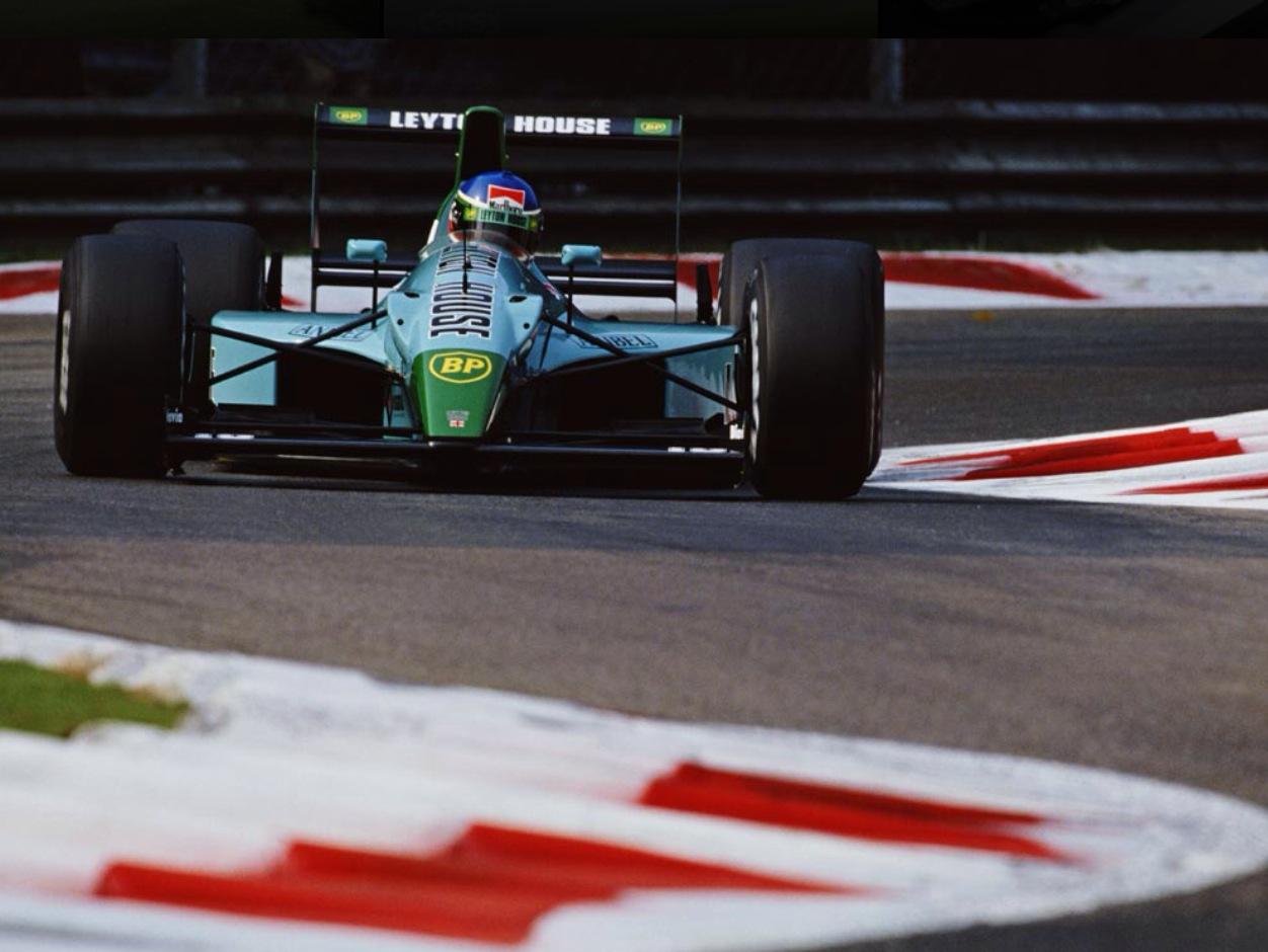 Foto de 8 de Novembro – Uma grande equipe média – Dia 171 dos 365 dias mais importantes da história do automobilismo – Segunda Temporada.