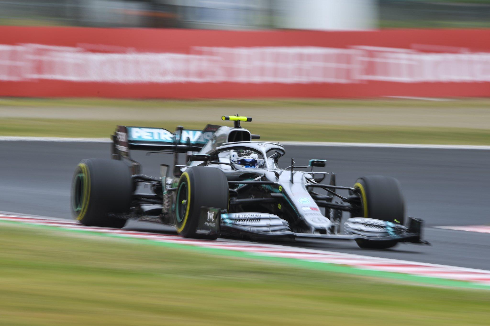 Foto de TL1 Suzuka – Vatteri Bottas lidera dobradinha da Mercedes, com a Ferrari separada por cerca de 1 segundo