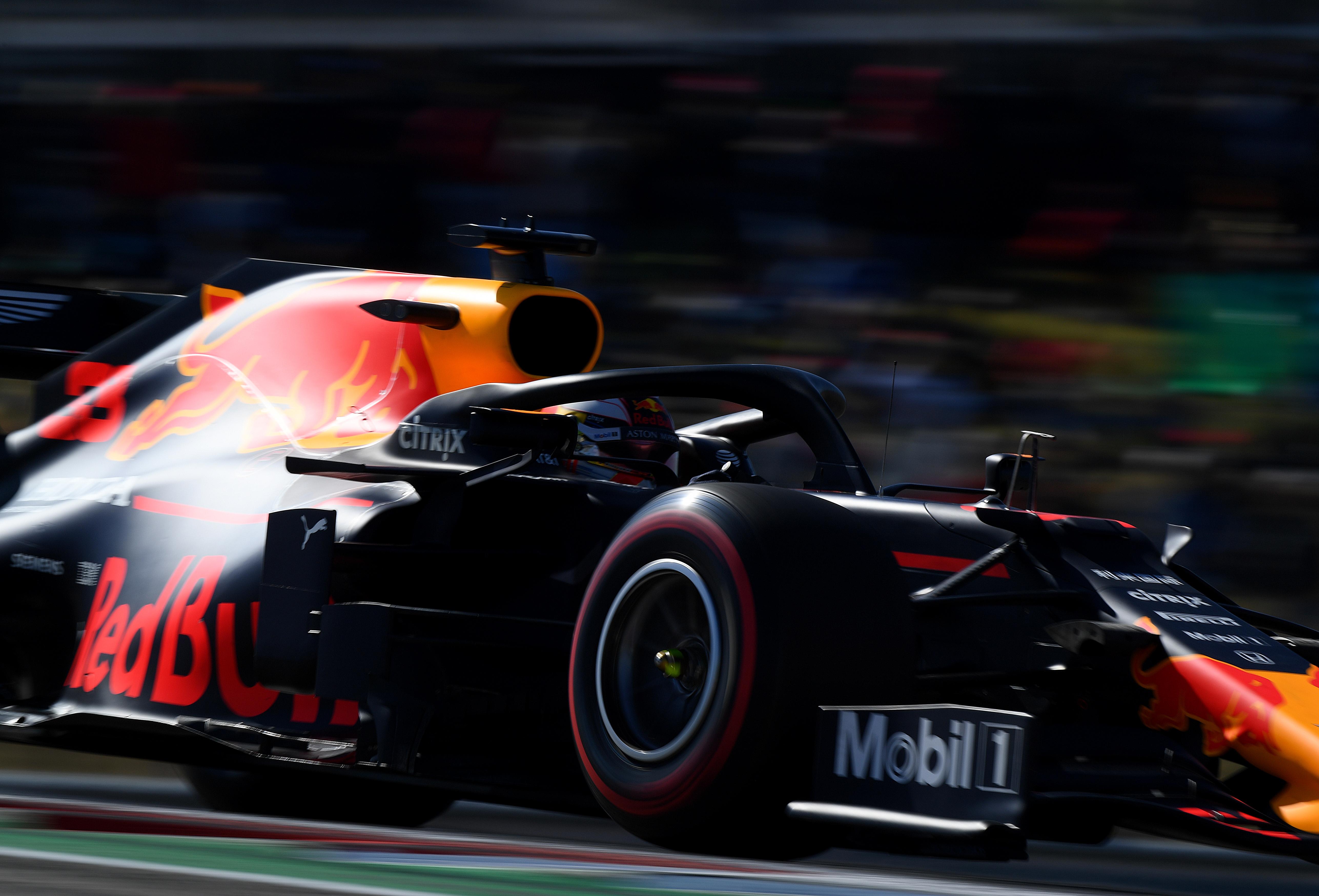 Foto de TL1 EUA – Verstappen foi o líder, acompanhado de perto por Vettel e Albon, equipes testaram pneus para 2020