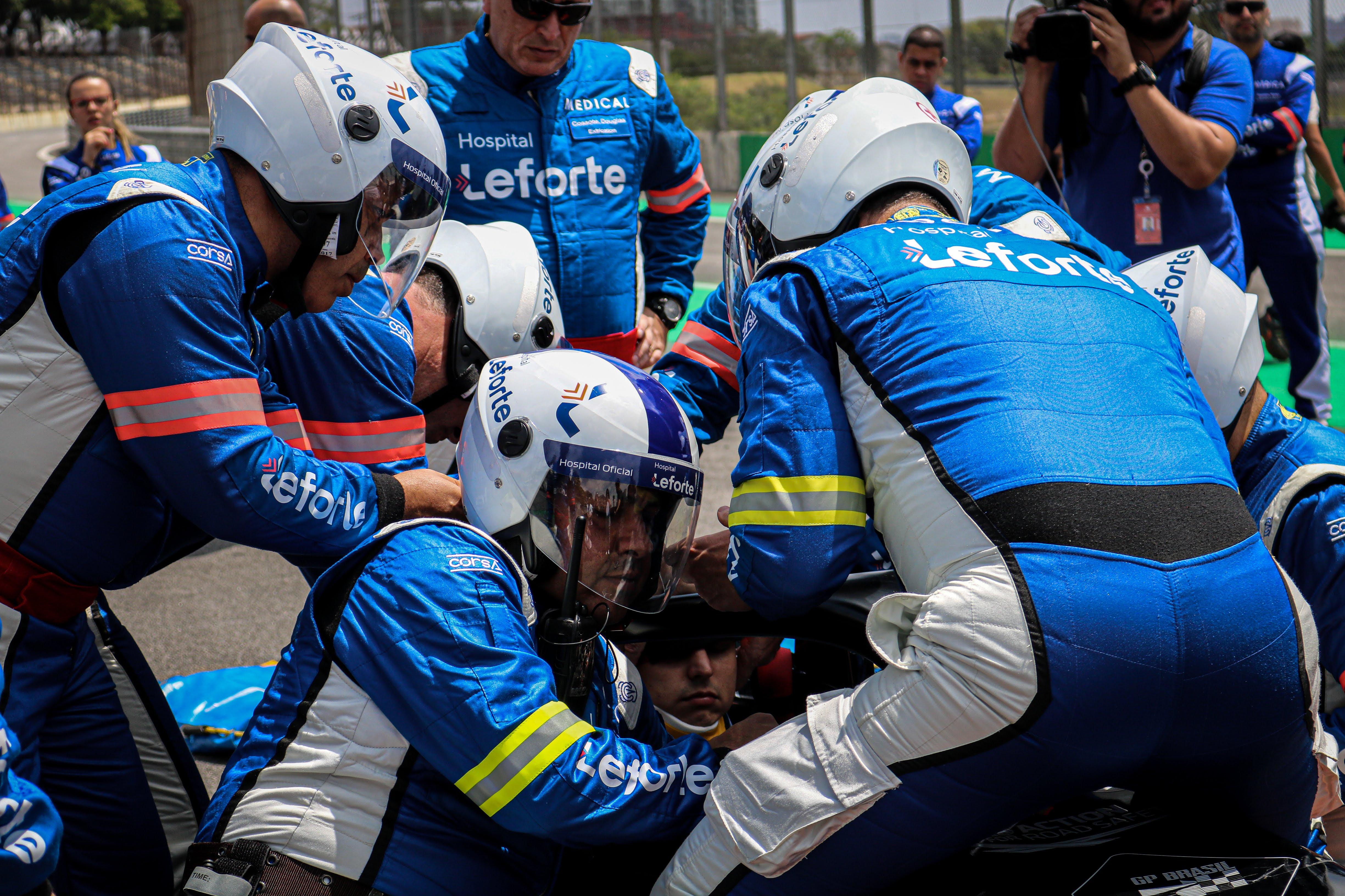 Foto de Corpo médico simula atendimento em Interlagos, nos preparativos para o GP do Brasil