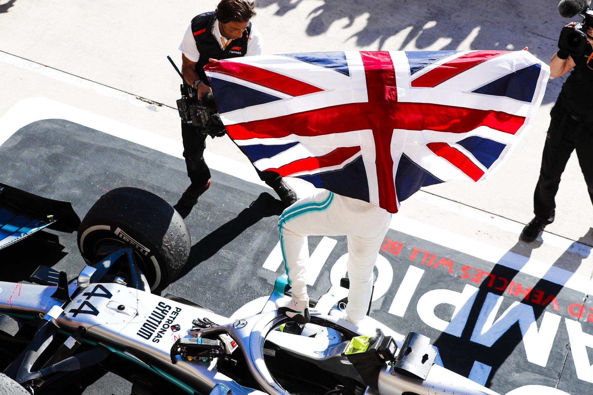 Foto de GP dos EUA – Lewis Hamilton conquista o hexacampeonato, com Valtteri Bottas vencendo a prova
