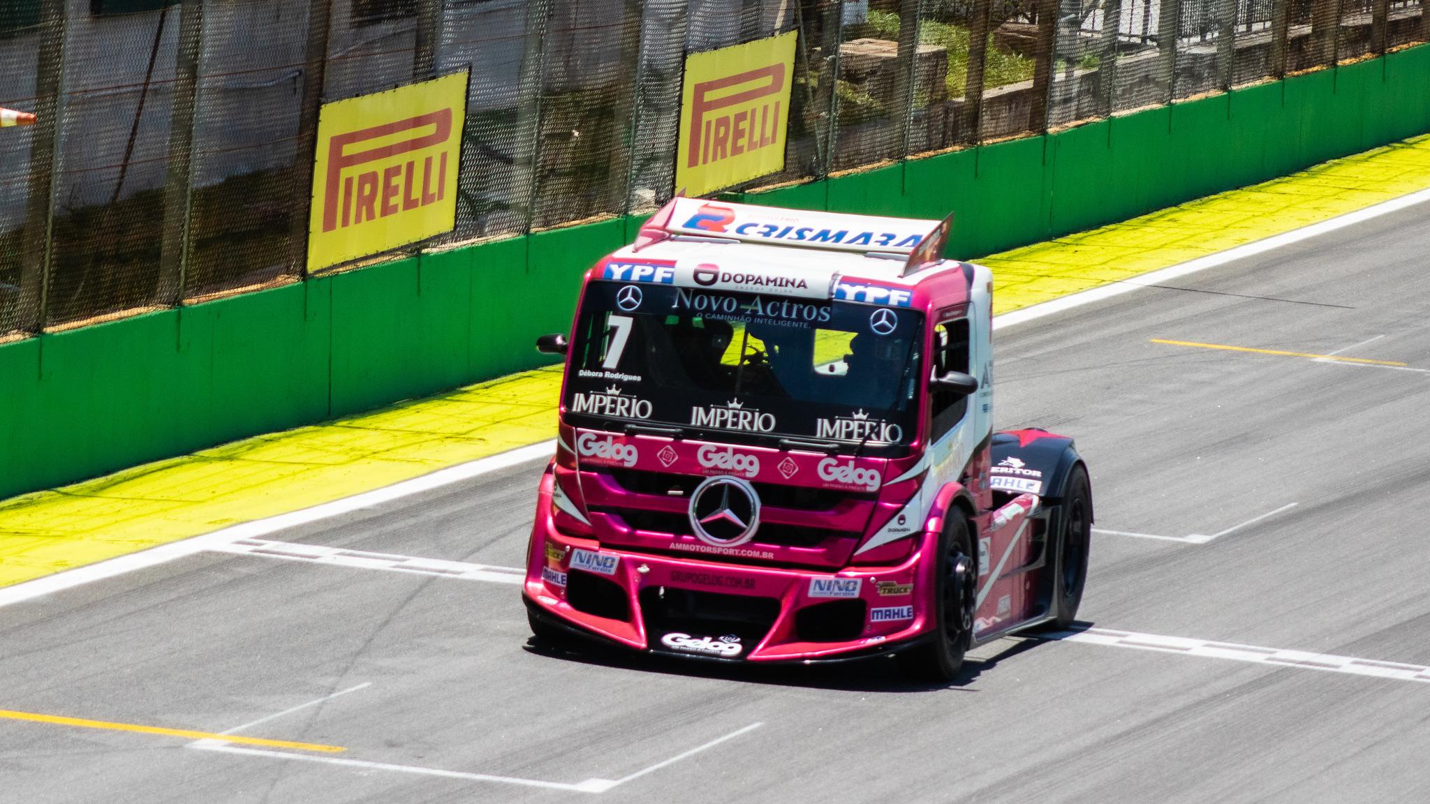 Foto de Galeria de fotos do Treino Classificatório da Copa Truck em Interlagos, fotos de Deborah Almeida