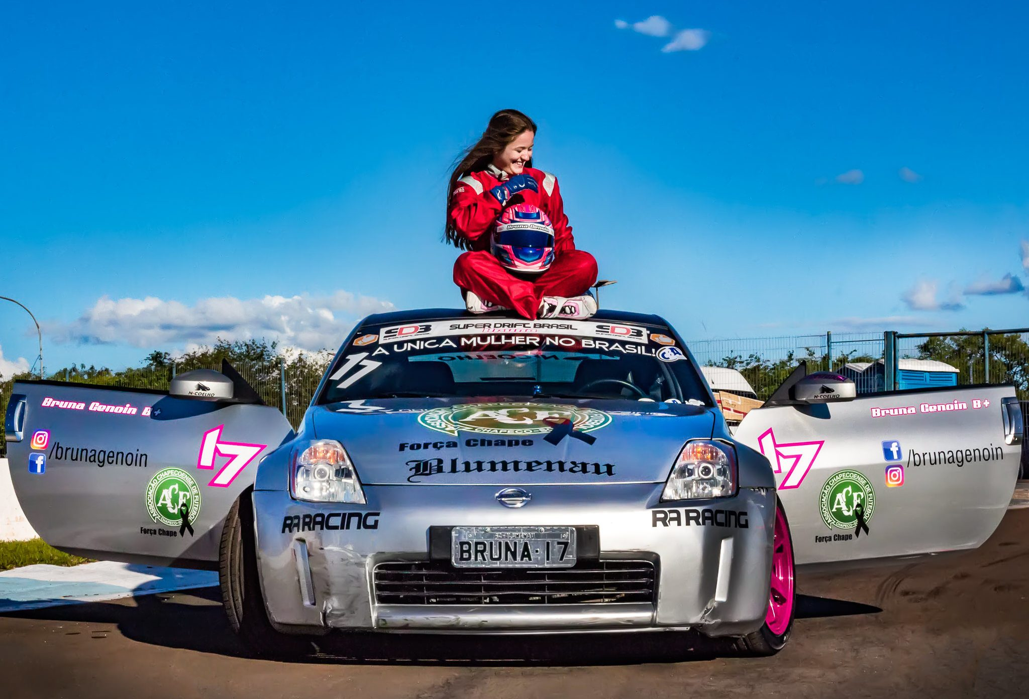 Photo of Bruna Genoin, primeira pilota de Drift do Brasil, conversa com o Boletim do Paddock