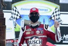 Photo of NASCAR Cup Series: Kevin Harvick varre a concorrência em Michigan
