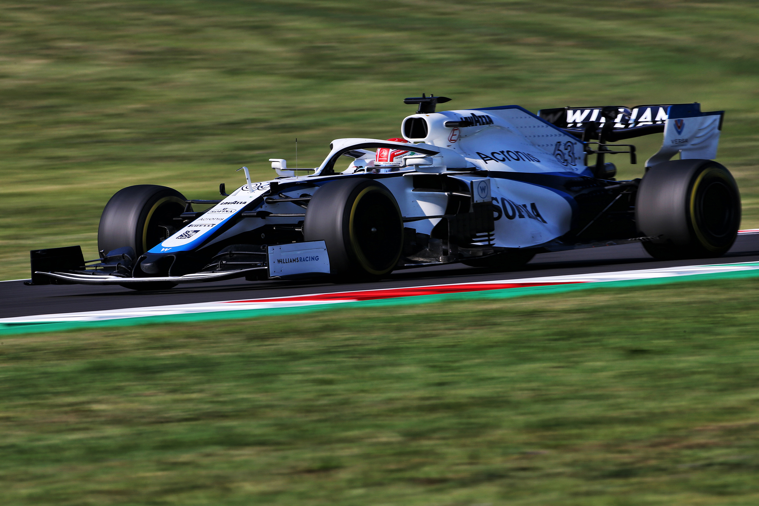 George Russell briga pelos pontos no GP da Toscana - Foto: Williams Racing