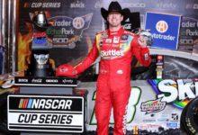 Foto de Kyle Busch encerra o jejum e vence a etapa do Texas