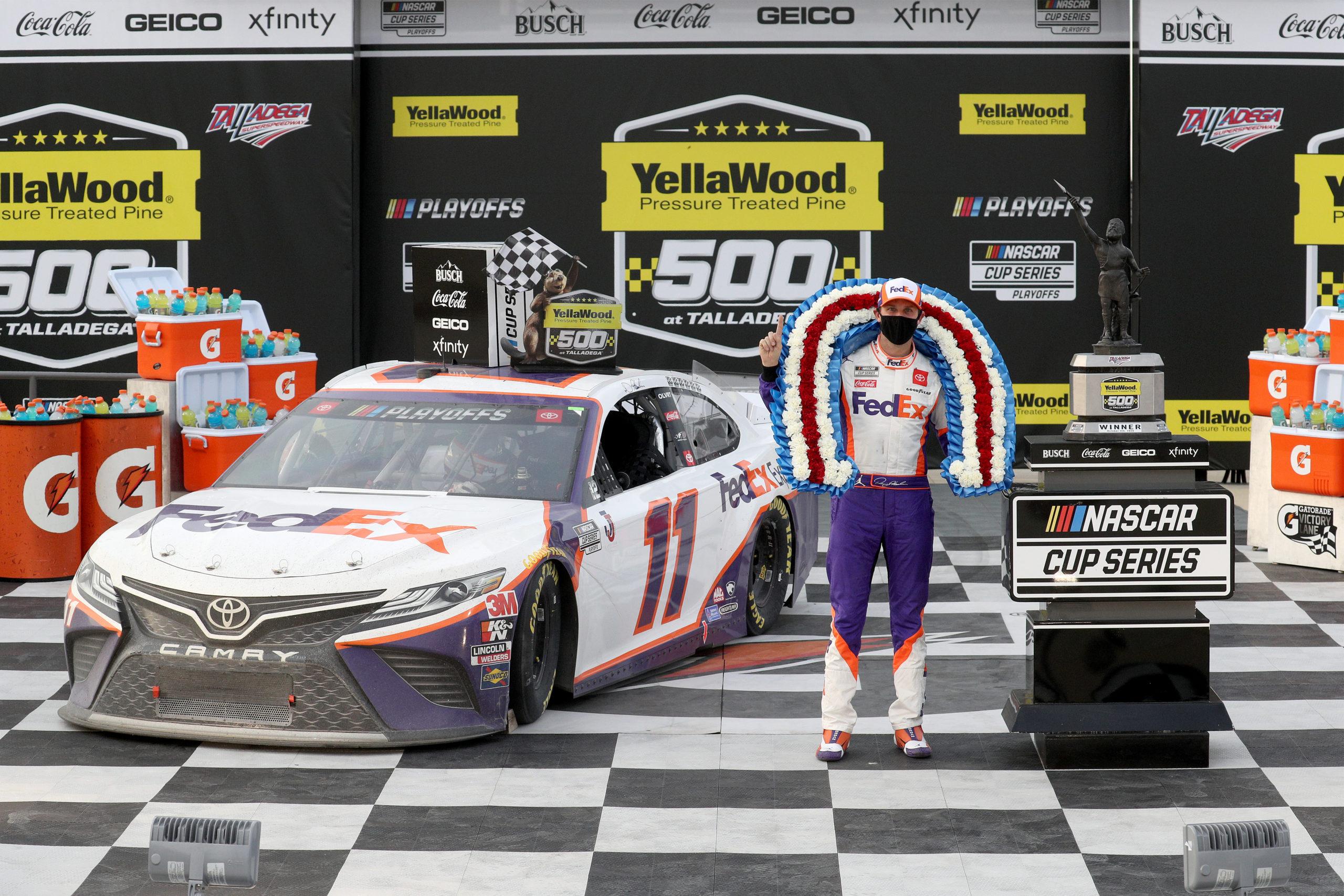 Foto de NASCAR Cup Series: Com manobra polêmica, Denny Hamlin fatura a conturbada prova de Talladega
