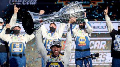 Foto de Chase Elliott vence em Phoenix e é o campeão da NASCAR Cup Series em 2020