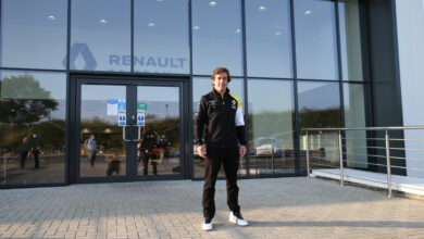 Foto de Fernando Alonso poderá participar de testes destinados aos jovens pilotos em Abu Dhabi